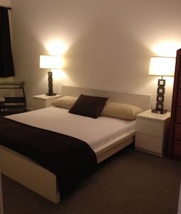 Modern spacious furnished room. - North Las Vegas - Radhus