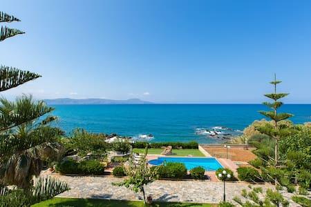 Private Beach & Pool at Big Groups Villa Katerina - Petres