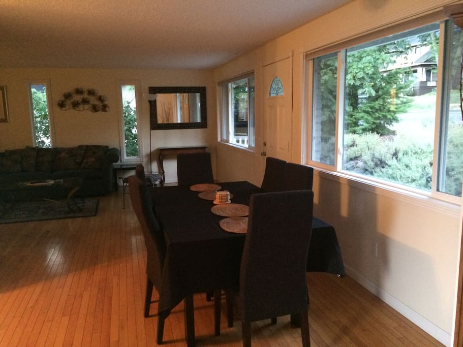 Downtown Hood River 2br/1b Home