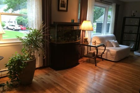 Upper level of house, 3 bedrooms, close to NYC - Denville - Wohnung