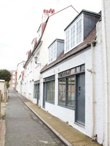 Quirky Brighton seafront mews house - Brighton - Hus