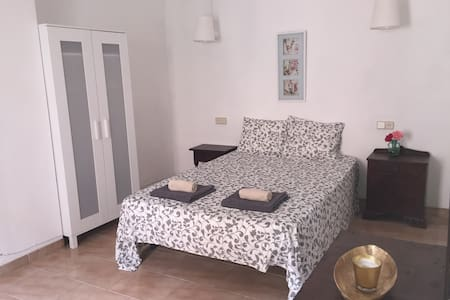 Big room with terrace in Mallorca - Sant Joan