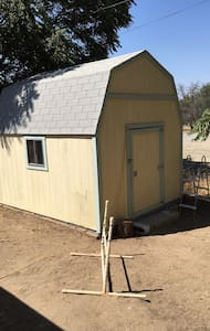 The Bunk House and guest quarters - Lake Elsinore