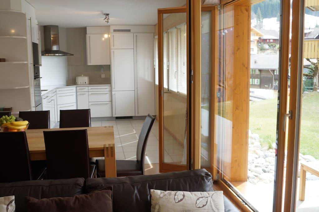 Ski in, Ski out! Central Wengen Apartment Sleeps 6
