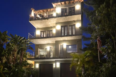 Luxury Living on Madeira Beach - Madeira Beach