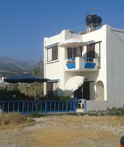STUDIOS 10m from beach VILLA VISTA - Milatos Beach - Inap sarapan