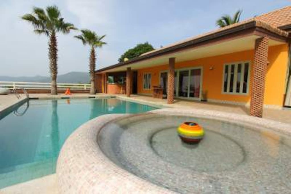 6 BR Chaweng Villa Reasonable Price
