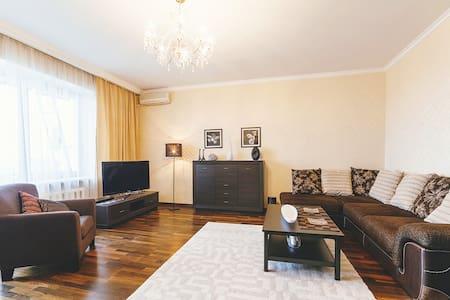 Fine apartment near Belorusskaya and Tverskaya - Moskva