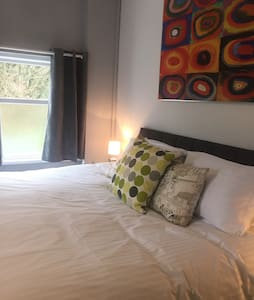 Self-catered contemporary apartment - Merthyr Tydfil - Apartamento