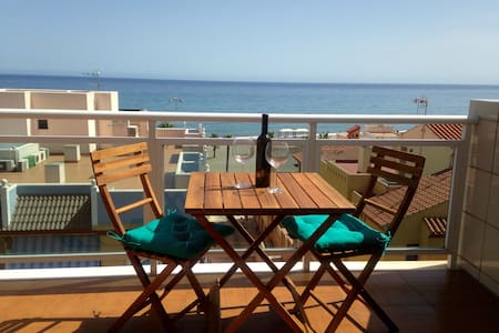 Attic Apartment with great sea view - Appartement