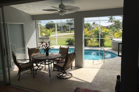 Fun in the Sun Pool & Jacuzzi Relax - Σπίτι