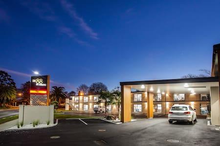 One88 on Commerce - Whakatane - Mobilyalı daire
