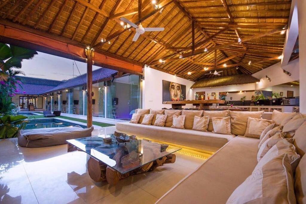 Seminyak New Chic 6 Bed/6 Bath - Villas for Rent in Kuta
