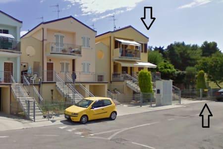 Villetta 70 mq. sulla collina sopra Porto Recanati - Province of Ancona - Villa
