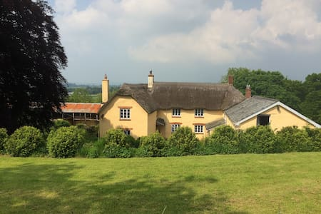 Beautiful farm house in peaceful Devon countryside - Stoodleigh - Hus