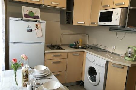 Уютная квартира у метро Ветеранов - Sankt-Peterburg - Wohnung