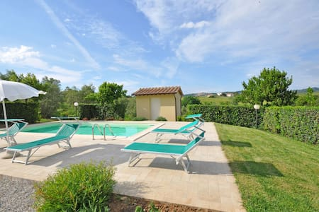 Cuccardino, sleeps 6 guests in La California - Bibbona - Villa