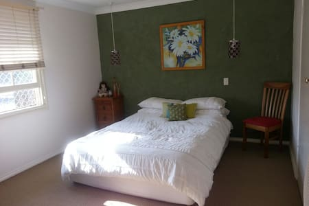 Beautiful,spacious,airy double room - Bogangar - Ev