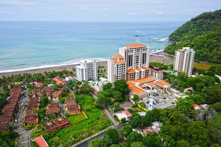 Situated in the heart of Jaco, near all the action and fun, this gorgeous 2-story penthouse enjoys ocean views from every room in the condo. By far the most spacious of the Crock condominium units.