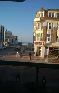 appartement face à la mer tout équipée pour 4 pers - Kondominium