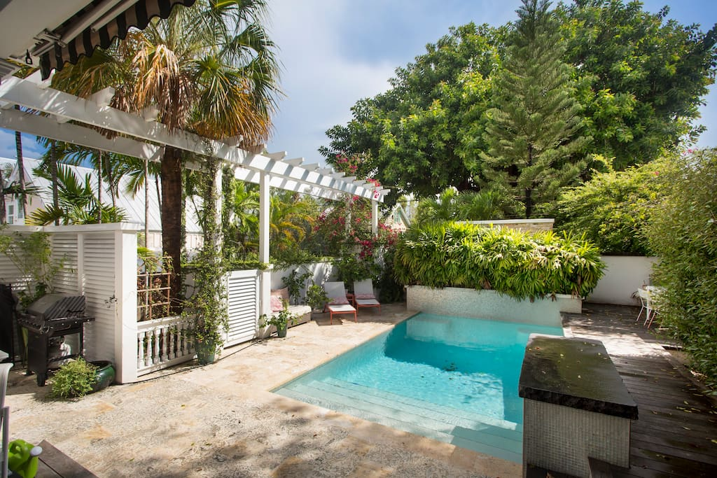 Large private yard and pool area