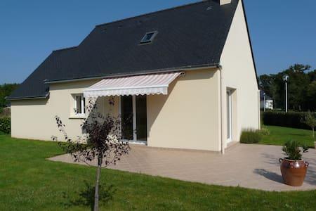 Belle maison récente, proche plage, Tour du parc - Le Tour-du-Parc - House