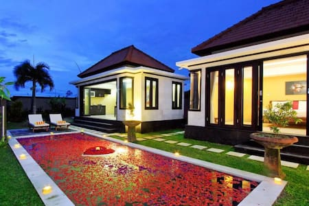Suite 1BedRoom Private Pool Villa@ Mengening Beach - Villa