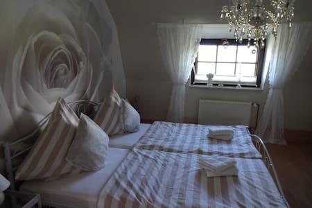 Wohnung im Landhaus - Apartamento