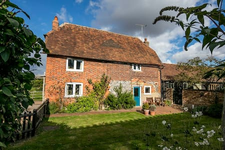 Delightful Grade II Listed Farm Cottage - Kent - Hus