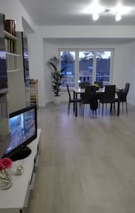 Appartement remis à neuf de 77m° - Huoneisto