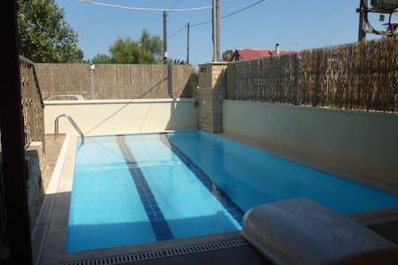 Eco small house with a swimming pool - Agios Panteleimon