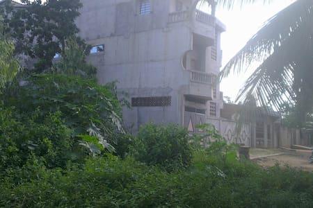 Proche de Porto, loin de la pollution de Cotonou - Adjarra - Appartamento