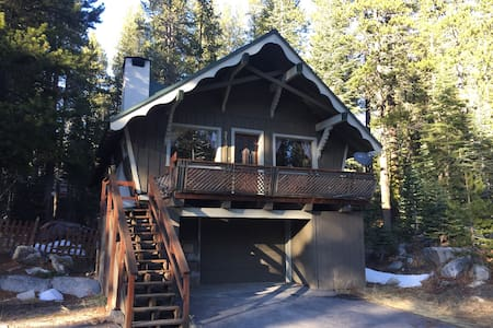 Donner Summit Chalet - Soda Springs - Hus