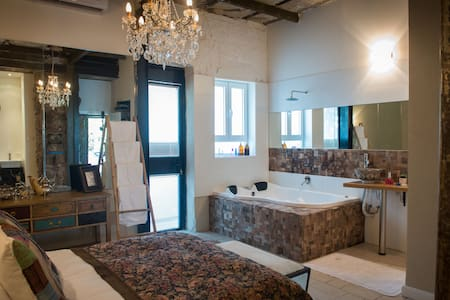Neve Tzedek Luxury Suite - Tel Aviv-Yafo - Bed & Breakfast