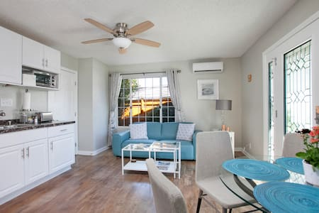 Wonderful One Bedroom Guesthouse - Chula Vista