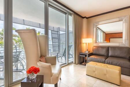 Charming 1BR in South Beach - Condominium