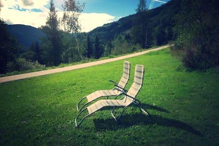 Riverside Retreat. Near Tamsweg - Chalet