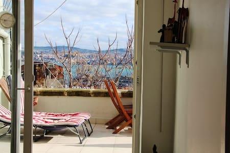 Flat&terrace&confort in Galata