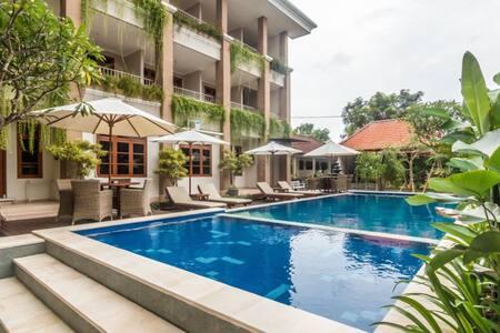 Tinggal Standard at Kuta Kubu Anyar - Bali - Bed & Breakfast
