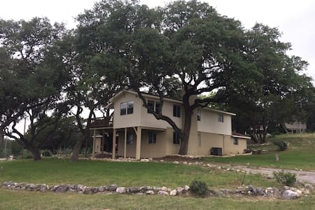 Canyon Lake House Getaway-1 Room for 30 day + rent - Canyon Lake - House