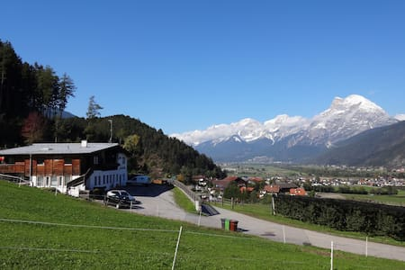 Bed and Breakfast, Beautiful location in Tyrol - Szoba reggelivel