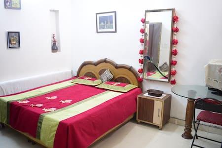 Private Bedroom #amazingairbnbroom - Amritsar - Haus