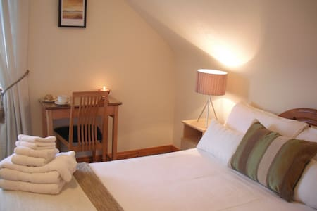 Cornerstones B&B double room with a View - Bed & Breakfast