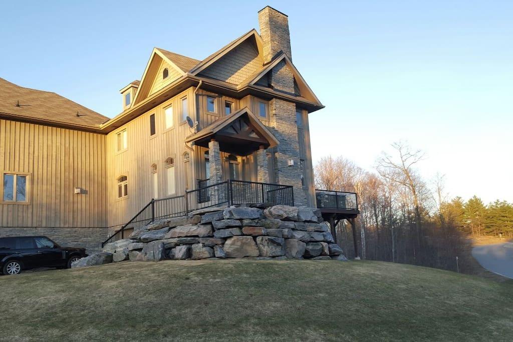 Modern 4 Season Muskoka Villa