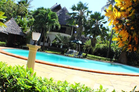 Upani in Diani Beach Vacation Home, Private Luxury - House