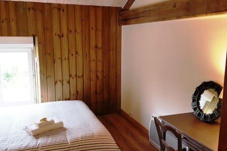 Chambre d'hôte Domaine de L'Etanchet CH 3 - Bed & Breakfast
