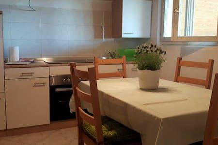 Apartmani Mara - Apartment