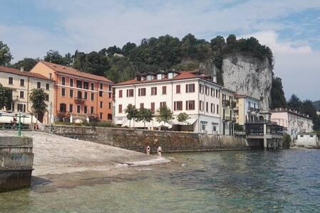Arona nel centro storico direttamente a lago (3) - Apartment