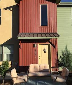 Cozy 1 bedroom suite - Colorado Springs