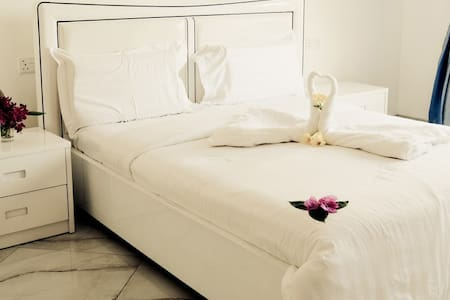 BSA HOTEL APARTMENTS - Bed & Breakfast